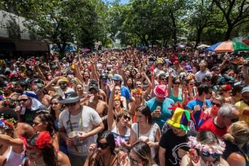 Ensaios de blocos de carnaval movimentam o fim de semana em BH
