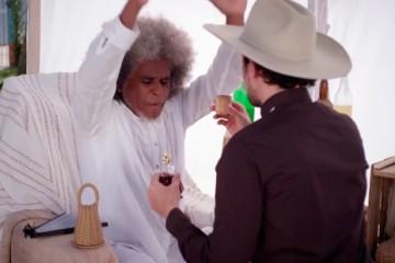 Série de comédia que retrata diferenças religiosas estreia nesta quarta