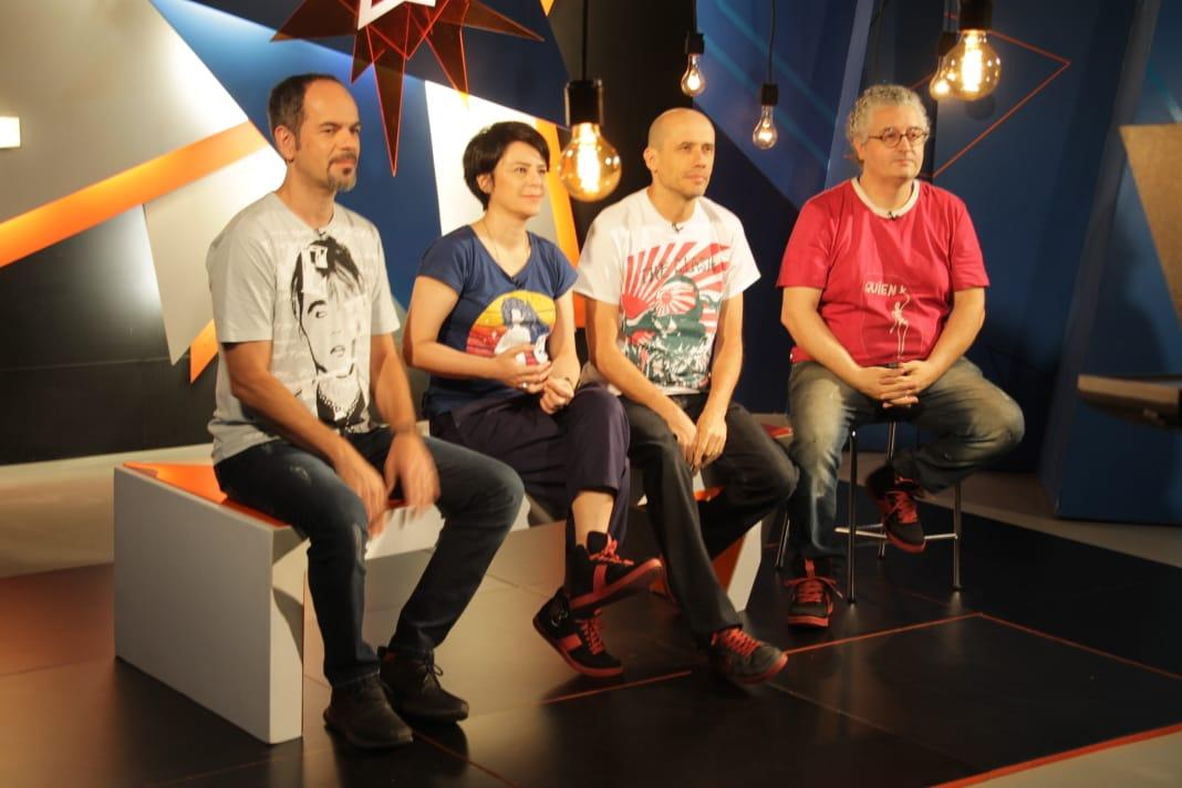 Terence Machado, Fernanda Takai, John Ulhoa e Ricardo Koctus nos estúdios do Alto-Falante. FOTO: Dudi Polonis.